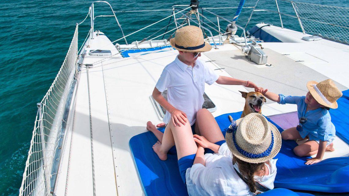 Дети на яхте