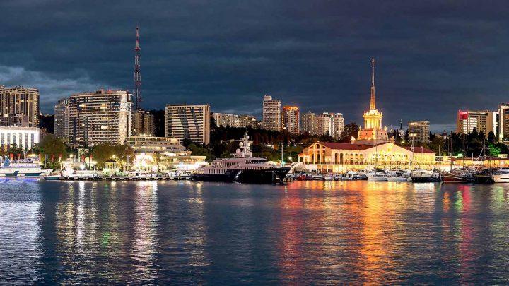 Ночной порт Сочи
