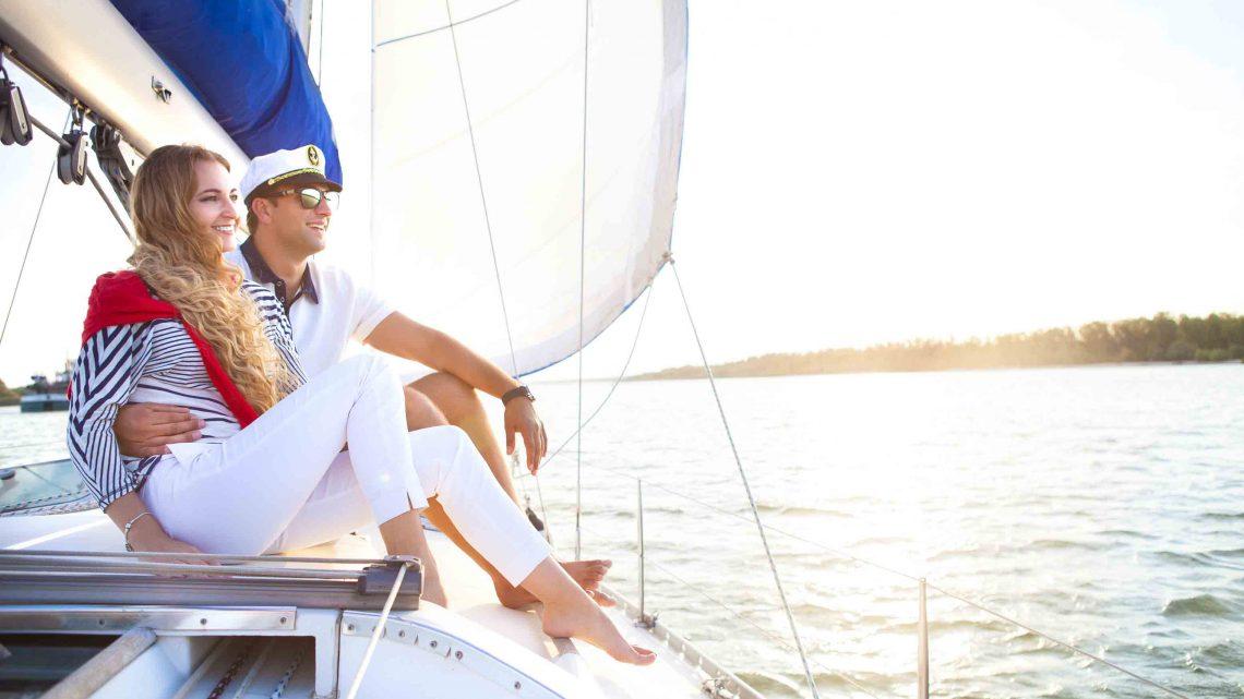 Фотопрогулки влюбленных на яхте