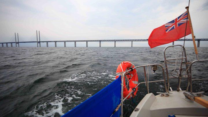 Иностранный флаг на яхтах
